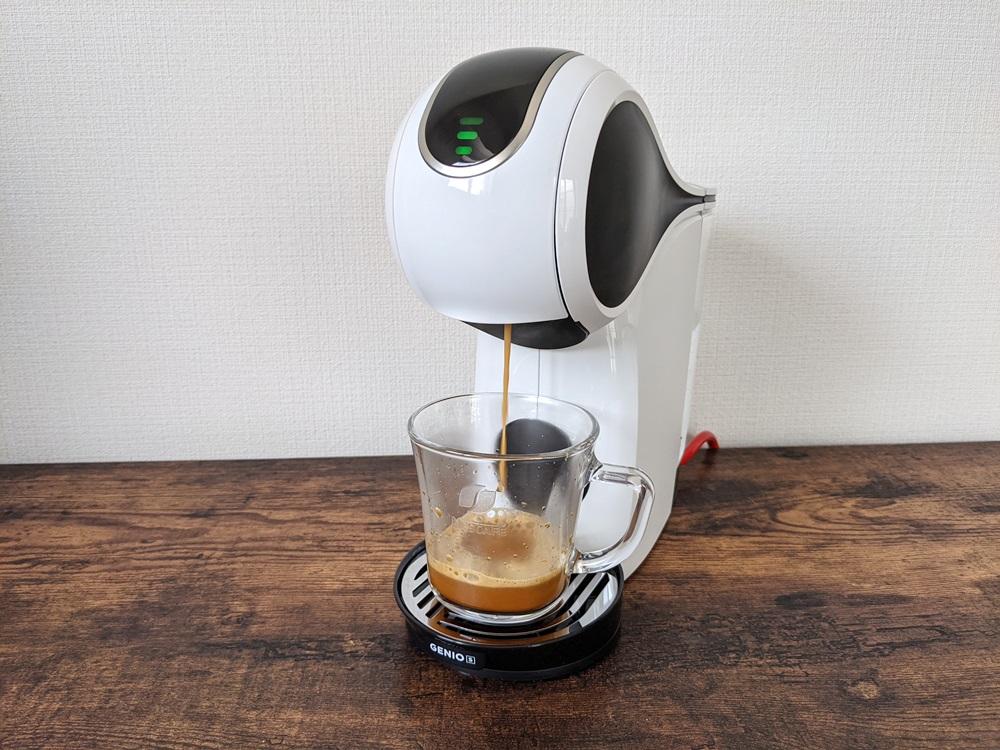 ドルチェグストでコーヒーを抽出中