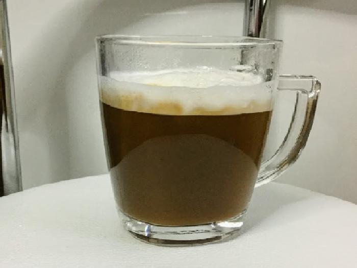 牛乳を使ったシンプルなキャラメルラテ