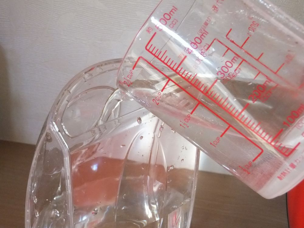 飲料水を入れる